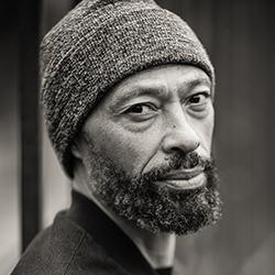Author photo Desmond Hall